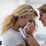 friends-who-comfort-a-friend-with-infertility-problem